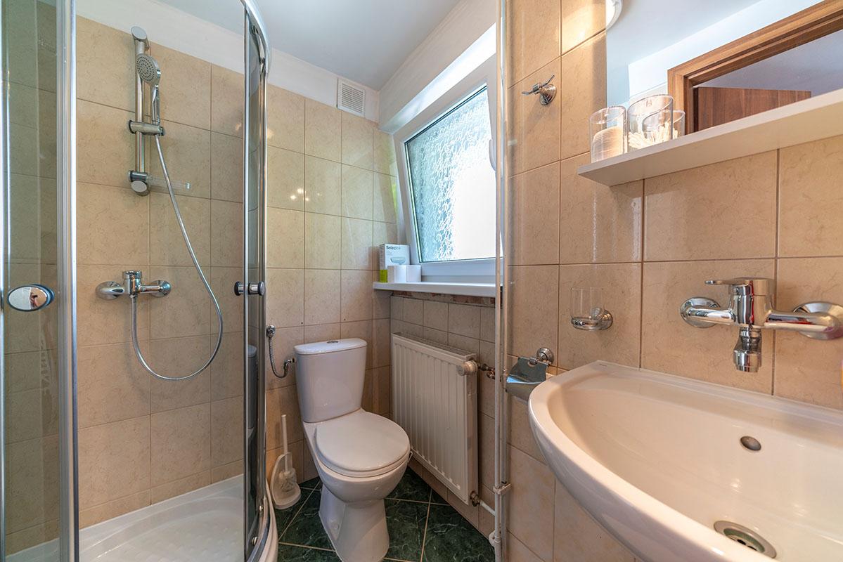0009 - Pokój 3-osobowy z łazienką