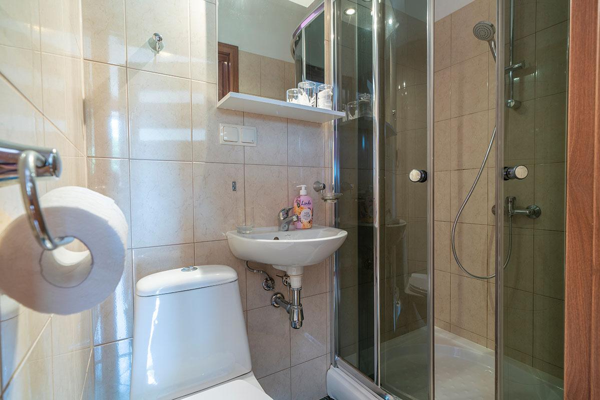 0016 - Pokój 2-osobowy z łazienką